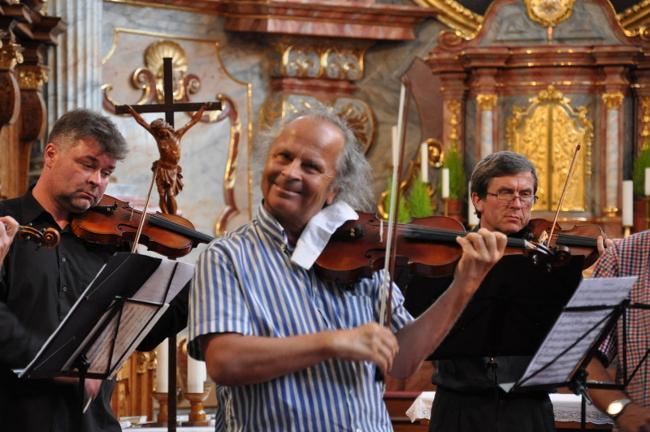 picture Václav Hudeček - orchestr Lucius Prag- program A.