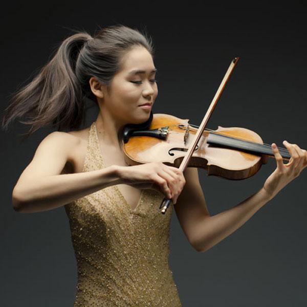 Esther Yoo & Czech Virtuosi