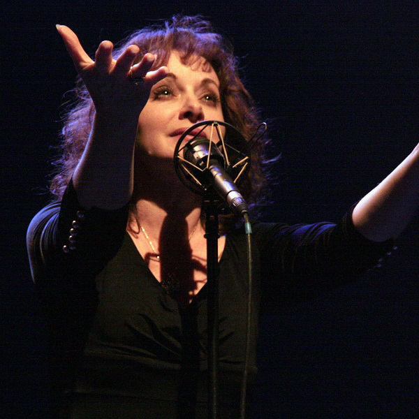 Jil Aigrot - THE VOICE OF PIAF